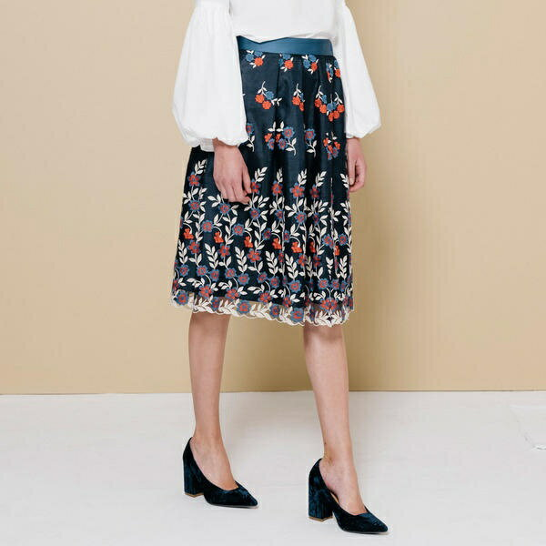 チュールトリコロール刺繍スカート/クイーンズコート(QUEENS COURT)