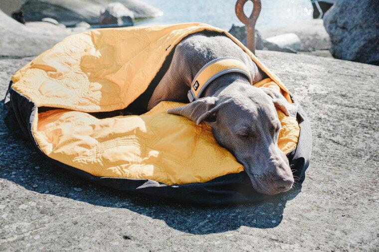 フィンランドのドッグブランド【Hurtta】【フルッタ】・スリーピングバッグ 寝袋【アウトバック ドリーマー】Lサイズ(直径90cm) 大型犬用