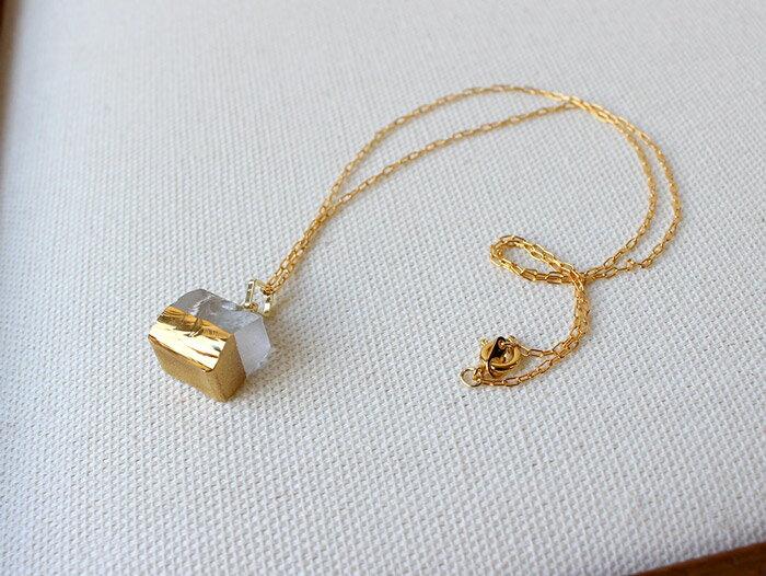 sorte glass jewelry ネックレス SGJ-021SQ ガラスと金の繊細な組み合わせを楽しむネックレス