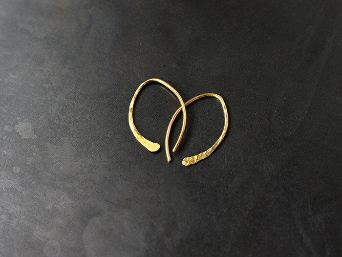 ro-ji kuni ピアス フック BP117(S) 真鍮の繊細なゆらぎを楽しむシンプルなピアス