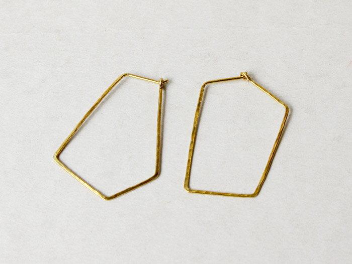 ro-ji kuni ピアス スクエア BP151(L) 真鍮の繊細なゆらぎを楽しむシンプルなピアス