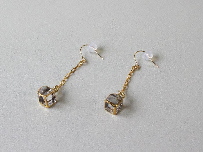 sorte glass jewelry ピアス SGJ-017P ガラスと金の繊細な組み合わせを楽しむピアス