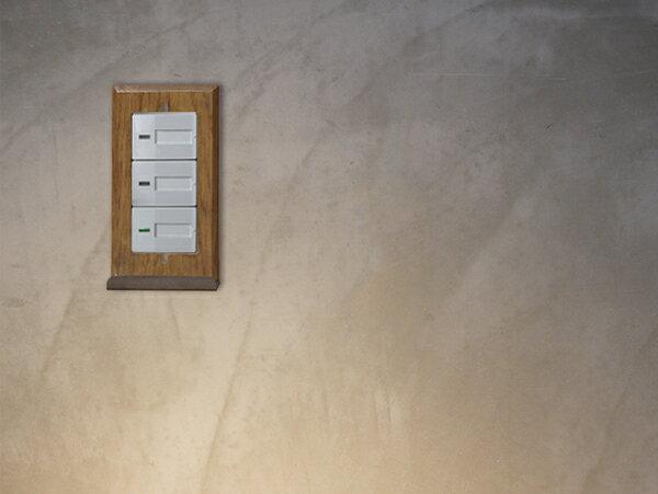 ウッド アイアントレイ スイッチプレート ワイド チェーンやフックなど、引っ掛けられるバーの付いたスイッチプレート ワイドタイプのスイッチに対応