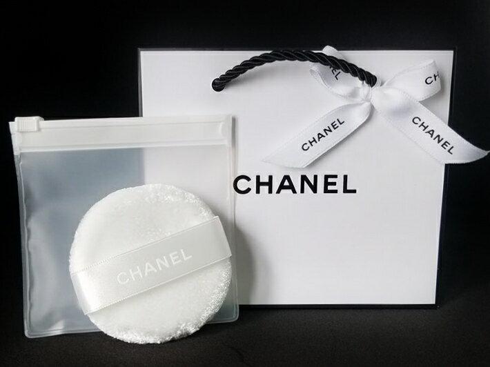 CHANEL LE BLANC LOOSE POWDER PUFFシャネル ル ブラン ルース パウダーパフクリアケース付シャネル リボン&ショップバッグ※ご注意この商品はラッピングできませんのでご了承ください。