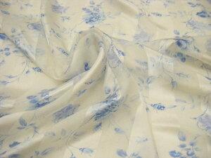人気です♪ 特価品 ♪ 艶感【 1.9m価格 】絹 シルク100% ストライプコードサテン 花柄 シルクジョーゼット プリント 生地♪ オフ白×ブルーmix ♪≪ フラワー柄 バラ柄 薔薇柄 ローズプリント