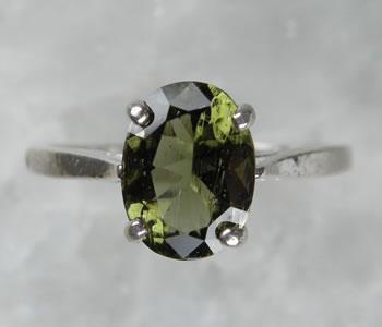 モルダバイト オーバル8ミリリング 天然石 パワーストーン mo602r【H&E社、証明書付】