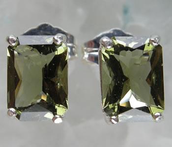 モルダバイト レクタングル 7×5mm ピアス mo654p H&E社 証明書付 パワーストーン ジュエリー 天然石