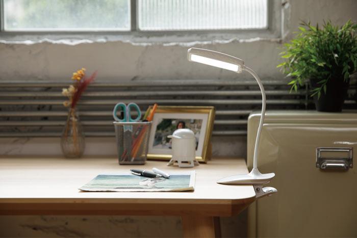 新品販売!送料無料!User Wats DL-022クリップライト LEDライト全角度調整できる! タッチセンサー式 3段調光可能(日本語取扱説明書付き)
