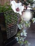 お正月のお花やクリスマスのお花お玄関先に置かれても素敵です。『フラワーアイアンベース』