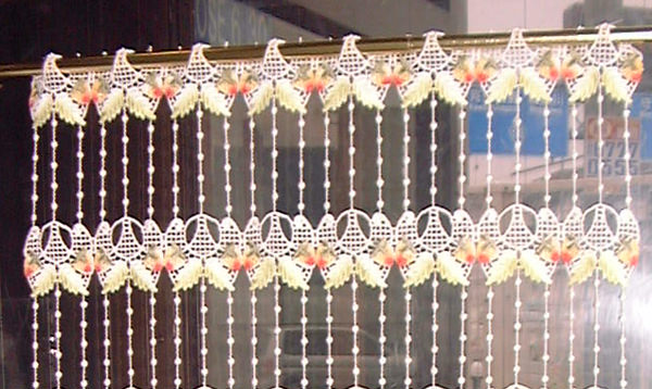 【縦30cm】フランス製 短い 人気イチゴのマクラメ 『カフェカーテン』 SSベリーショートサイズ★【smtb-k】【kb】yo【RCP】小窓用【HLS_DU】
