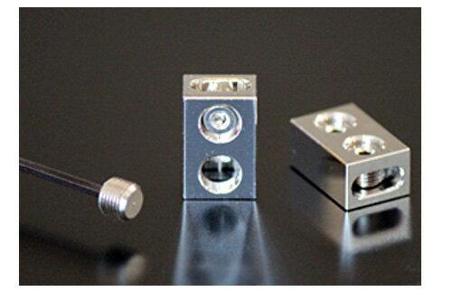 M&M DESIGN(エムアンドエム デザイン)M&Mデザインスピーカー端子ダイレクトジョイントSDJ-02(1個)※ヤマトクロネコDMで発送日時指定の場合は別に送料¥400円、代引きの場合は別に送料¥500円、代引き手数料¥250円掛かります