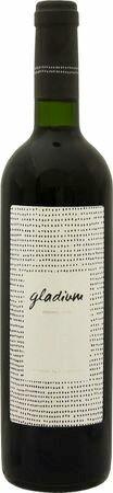 グラディウム レゼルバ 2011 赤 750ml/12本GLADIUM RESERVA2488 完熟ベリーにバニラやシナモンなどの複雑なアロマ、しっかりとしたストラクチャーがあり余韻も長いエレガントなスタイル。
