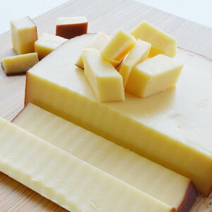 スモークチーズ プレーン スライス 約300g前後 オランダ産 ナチュラルチーズ クール便発送 Smoked cheese チーズ料理 おつまみチーズ