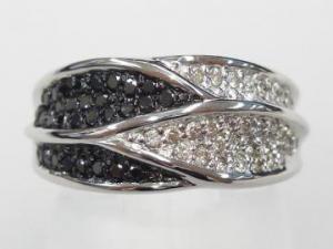 K18WG ホワイトゴールドダイヤモンド/ブラックダイヤモンド リング10P18Jun16【楽ギフ_包装】