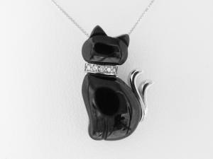 【necomata】幸運のシンボル黒猫のねこまたさんペンダントネックレスK10WG【楽ギフ_包装】