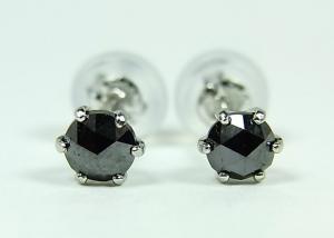 プラチナブラックダイヤモンドピアス0,3CT10P24Aug13