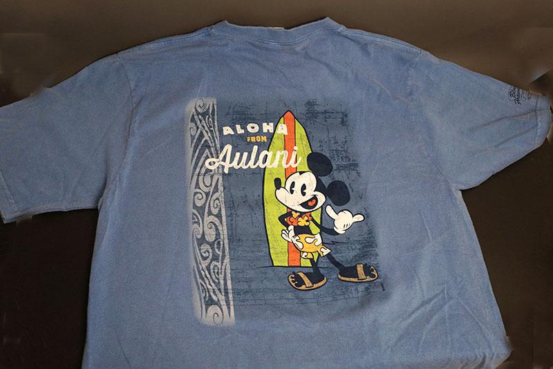 ハワイ限定!ディズニー&クレイジーシャツのコラボTシャツ男性用 ブルーハワイ染色※日本のワンサイズ下が目安です。例:日本サイズMの場合、アメリカSサイズ。