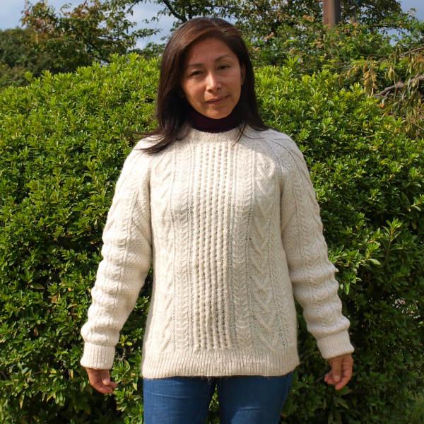 (送料無料)手紡ぎアルパカ100%の高級セーター/極上の肌触りと暖かさ/気品漂う逸品/レディース・メンズを問わずご愛用頂けるデザイン/プレゼント/贈り物