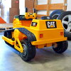 키드・트락스 CAT 불도저 12볼트 배터리 첨부 전동 자동차 대상 연령 3세~Kid Trax CAT Bulldozer 12-Volt Battery-Powered Ride-On