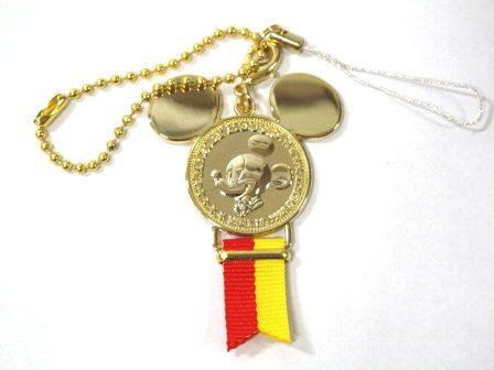 ディズニーリゾート限定 メダルストラップ ゴールド ミッキー