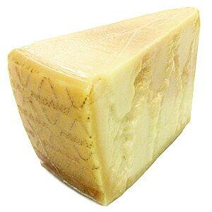 【DOPグラナ!大特価!】イタリア産 12ヵ月熟成DOP グラナパダーノ ブロック 1Kg前後(不定貫3000円[税抜]/kgで再計算)