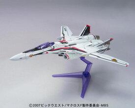 マクロスF(フロンティア) プラモデル 1/100 VF-25F メサイアバルキリー アルト機(再販)[バンダイ]《発売済・在庫品》