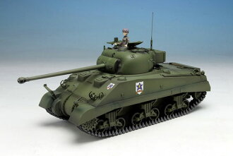 1/35 Girls und Panzer the Movie Sherman Firefly Saunders University High School Special Limited Edition Plastic Model (Miyazawa Models Limited)(Released)