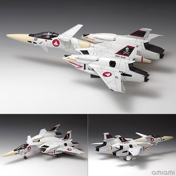 1/72 超時空要塞マクロス VF-4 プラモデル[WAVE]《発売済・在庫品》