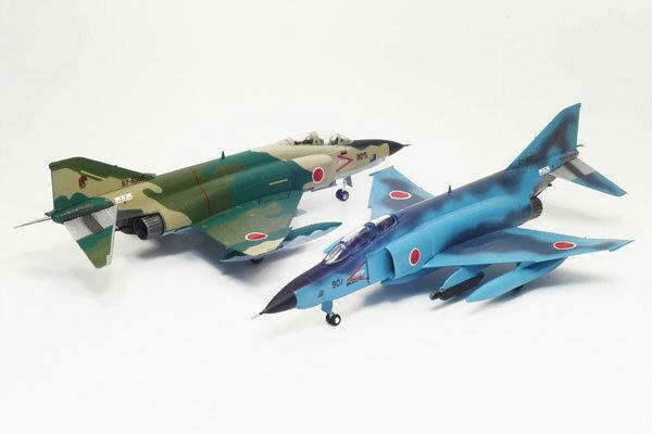"""1/144 航空自衛隊 偵察機 RF-4E ファントムII """"洋上迷彩/通常迷彩""""(2機セット) プラモデル[プラッツ]《発売済・在庫品》"""