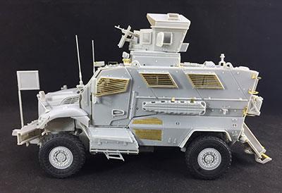 1/35 米・M1224マックスプロ・エムラップ対地雷装甲車 プラモデル[BRONCO]《発売済・在庫品》