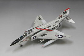1/72 アメリカ海軍 F-4J 戦闘機 [初回限定特装版] プラモデル[ファインモールド]《08月予約》