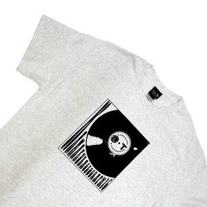 オリジナルTシャツ【鎌ジオT / レコード・アッシュ】お洒落なグラフィックTシャツ シルクスクリーンプリント オリジナルTシャツ S,M,L,XLサイズ豊富 洗濯しても色落ちしません ギフトに最適