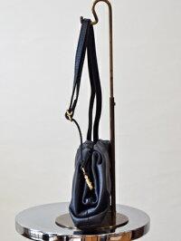 andreacardoneアンドレアカルドネギャザーが可愛いレザークラッチバッグ(ha012)