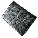 クロムハーツ 財布(Chrome Hearts)カードケースV1・3ポケットワイド・スクロール・ブラック・ヘビーレザー・セメタリークロスパッチ…