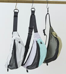KiU(キウ)MESHPOCKETBODYBAGメッシュポケットボディバッグ(3色):レディースバッグショルダーバッグウエストポーチヒップバッグ無地はっ水防水雨の日ポケット