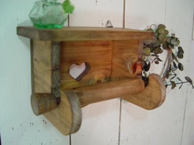 アンティークブラウン◇ハートの木製シェルフトイレットペーパーホルダー