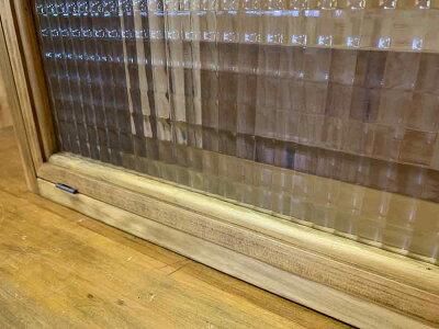 横型キャビネットチェッカーガラス扉アンティークブラウンw70d15h26cmニッチ用木製ひのきハンドメイドオーダーメイド