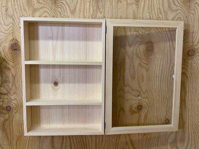 コレクションケース透明ガラス扉ライトオークw32d10h46cm三段棚付き木製ひのきハンドメイドオーダーメイド