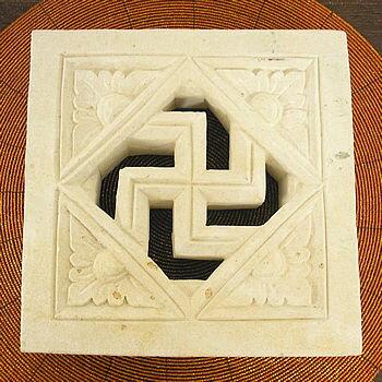 砂岩のレリーフ卍 [20x20cm] アジアン 雑貨 バリ 雑貨 タイ 雑貨 アジアン インテリア