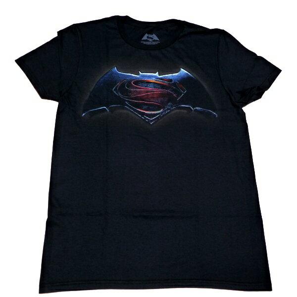 ☆☆☆【2枚までメール便対応可】BATMAN VS. SUPERMAN バットマンVSスーパーマンMAIN オフィシャル Tシャツ【あす楽対応】【正規ライセンス品】