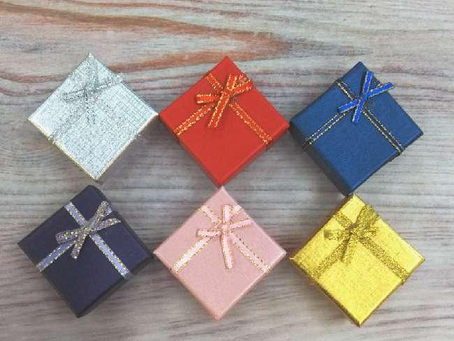 ギフトボックス 用品 ラッピング セット 箱 袋 ギフト プレゼント ラッピング アクセサリー 無地 箱と袋セット アクセサリー紙箱 ネックレス 贈答用 おしゃれ かわいい 可愛い 紙袋 女性 雑貨 バレンタイン 袋セット 箱セット リボン リボン付き