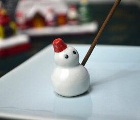 【日本香堂】赤い帽子の雪だるま陶器の香皿と雪だるまの香立のセット【お香】【室内香】【香皿】【香立て】