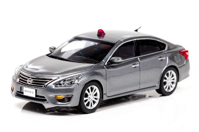 レイズ 1/43 日産 ティアナ XE (L33) 2016 警察本部 刑事部 機動捜査隊車両