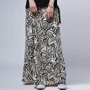 レディライクな品とモードな格好よさを併せ持つ。幾何学柄スカート・4月1日20時〜再再販。(100)◎メール便可!