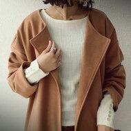 simpleでつくる愛され大人スタイル。『着るだけでワクワクする、一目惚れニット。』トレンド感重視で周りの視線は独り占め。袖ボタンリブニットトップス##