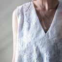美人襟が女度を上げてくれる。Vネックペイズリー刺繍タンク・再再販。『総刺繍の繊細さにうっとり。』メール便不可(REV)