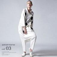 白を纏い、デニムに新鮮さをプラス。タックステッチデニム・##