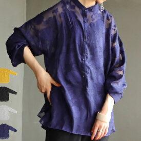 肌を透かす、品のある繊細さ。女度高まる。シアーフラワーシャツ・再再販。(100)メール便可(REV)