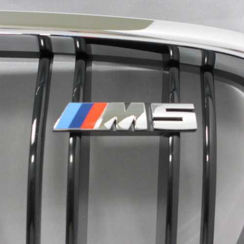 """BMW純正 """"M5"""" エンブレム"""