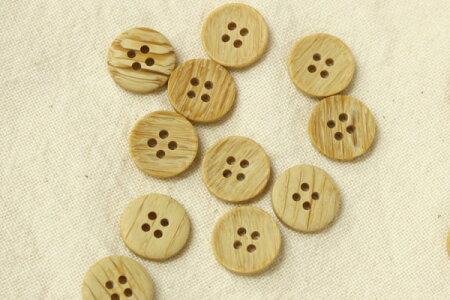 木目ボタン(4穴・15mm・ふちなし)